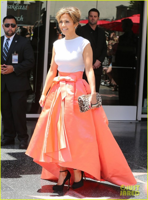 Jennifer-Lopez-recibio-estrella-Holywood_0004