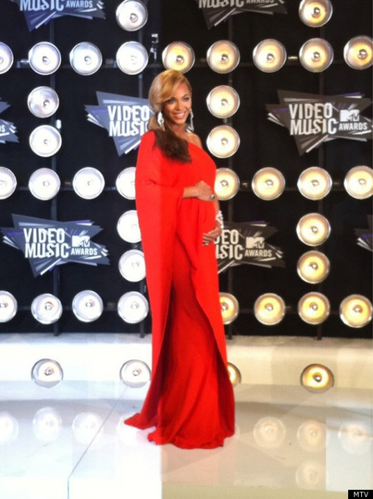 Pregnant with Blue Ivy at The VMA's 2011