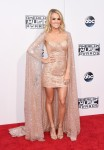 2015-American-Music-Awards-Arrivals-carrie-underwood-692×1000