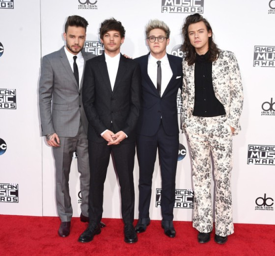 2015-American-Music-Awards-Arrivals-one-direction-700x653.jpg