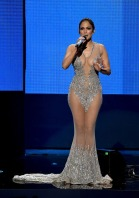 jennifer-lopez-open-amas-2015-american-music-awards-10