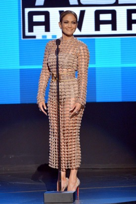 jennifer-lopez-open-amas-2015-american-music-awards-4